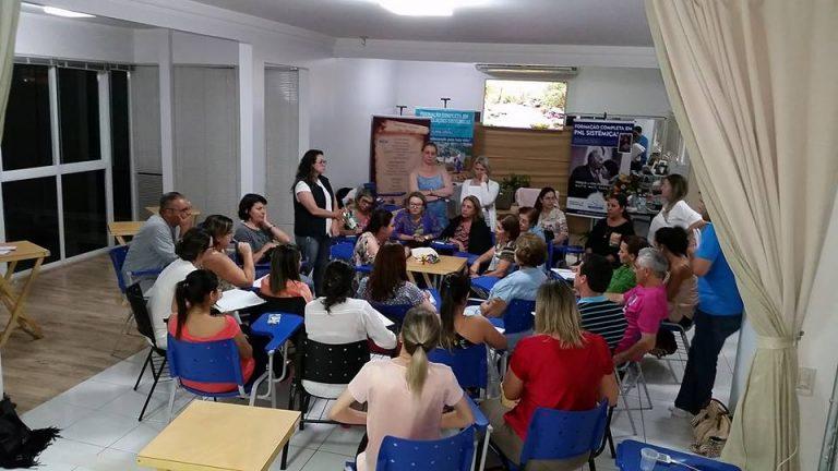Aula Prática Constelação Sistêmica com Bonecos com Olinda Guedes